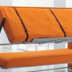 Двухъярусные кровати яркого цвета