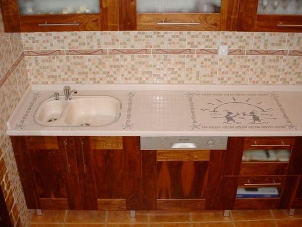 Кухонная столешница с художественной инкрустацией
