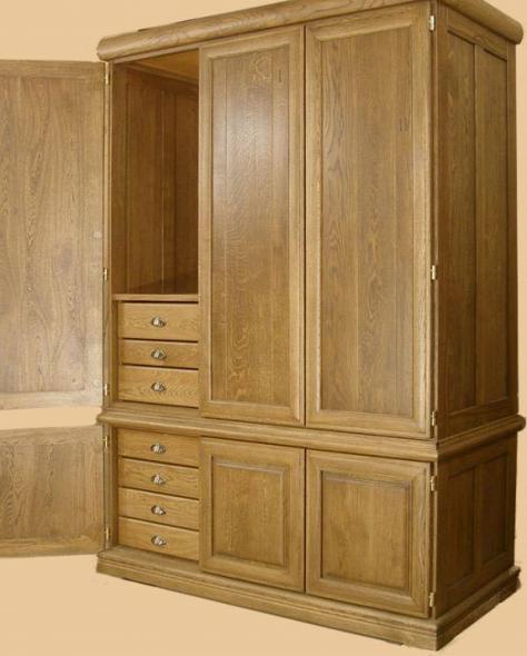 большой шкаф для дома