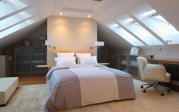 бра в интерьере спальни