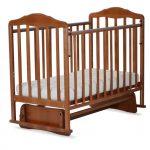 деревянная кровать маятник