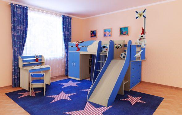 кровать с горкой синего цвета