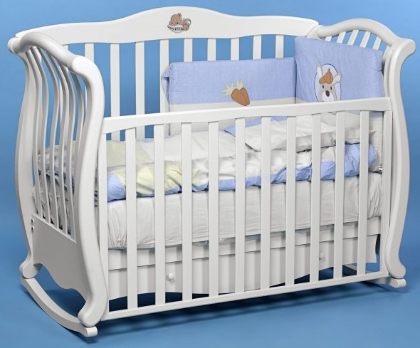 детская кроватка качальная