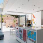 дизайн кухни 10 кв. м. диван
