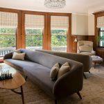 серый замшевый диван