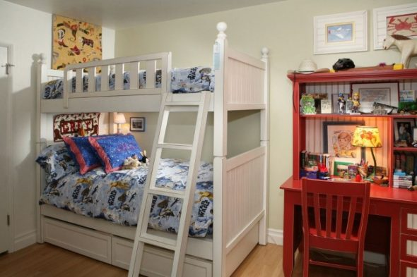 двухъярусная кровать в детской
