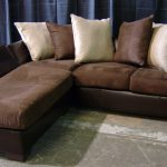 коричневый диван из замши