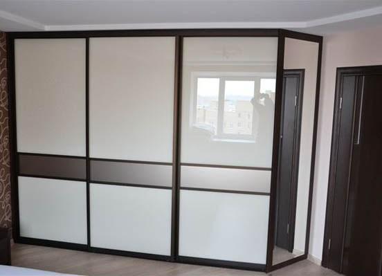 красивый фаса для большого шкафа