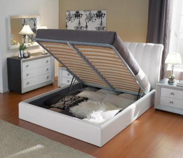 кровать на газлифтах