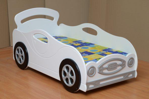 кровать машина белая