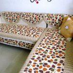 накидка на угловой диван пестрая