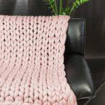 накидка на диван вязаная