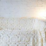 накидка на диван вязаная кружевная