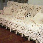 плед на диван вязаный