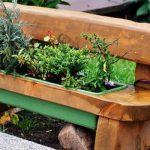 садовая скамья клумба