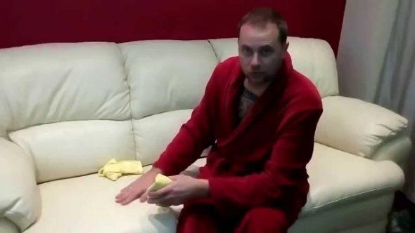 самостоятельно почистить и защитить кожаный диван