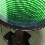 стол с эффектом бесконечности круглый