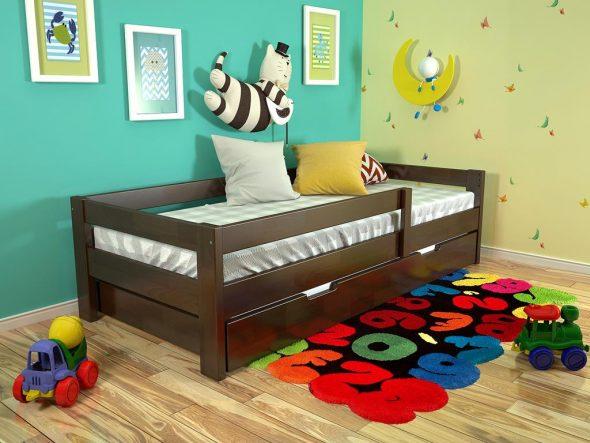 детская кровать из дерева