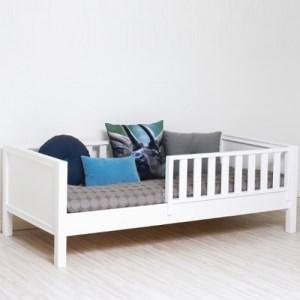 Детская кровать с бортиком недорого