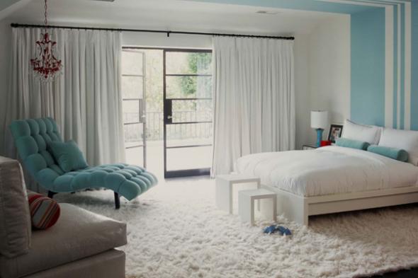 дизайн спальни бело голубой