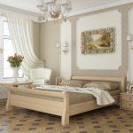 Двуспальная кровать изготовлена из дерева сосны Мери