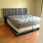 кровать из паллетов красивая