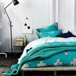 кровать из паллетов дизайн
