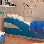 кровать с удобным бортиком