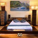 кровать деревянная стильная