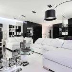 белая мебель в черно белом интерьере