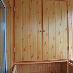 Встроенный балконный шкаф