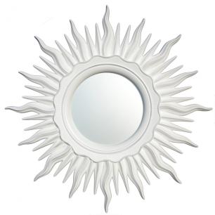 Зеркало в раме в виде Солнца