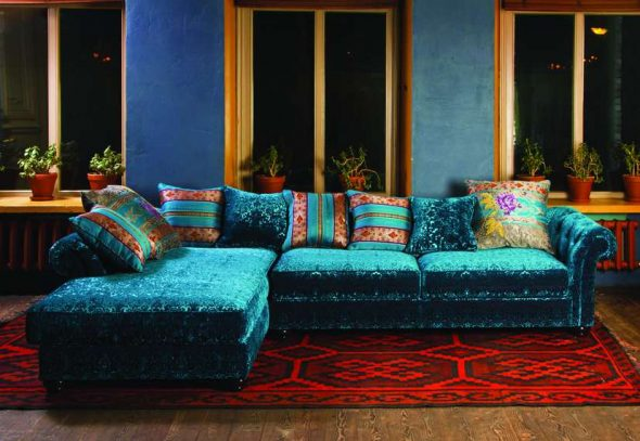 бирюзовый диван индийский стиль