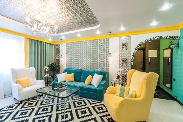 бирюзовый диван с желтым