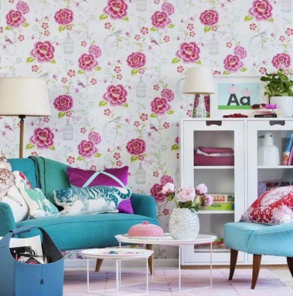 бирюзовый диван в розовой комнате
