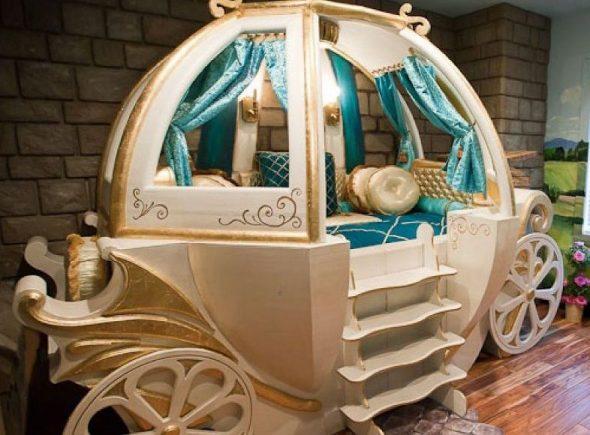 кровать карета из дерева