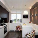 диван на кухне белого цвета