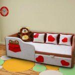 детская кровать с бортиками красивая