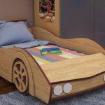 детская кровать с бортиками машина
