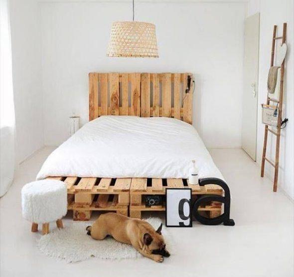 кровать из паллетов минимализм
