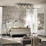 светлая спальня богатый интерьер