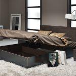 двуспальная кровать с нижним ящиком