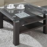 столик в интерьере