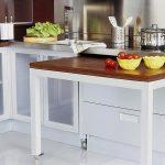 выдвижной стол в кухонном гарнитуре