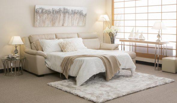 диван кровать в гостиной