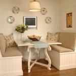 Дизайн кухни с 2 диванчиками