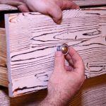 Используем различные технологии состаривания мебели вручную