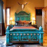 кровать деревянная спальня