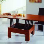 Кухонные столы для маленькой гостиной
