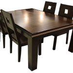 Раздвижной кухонный стол из дерева